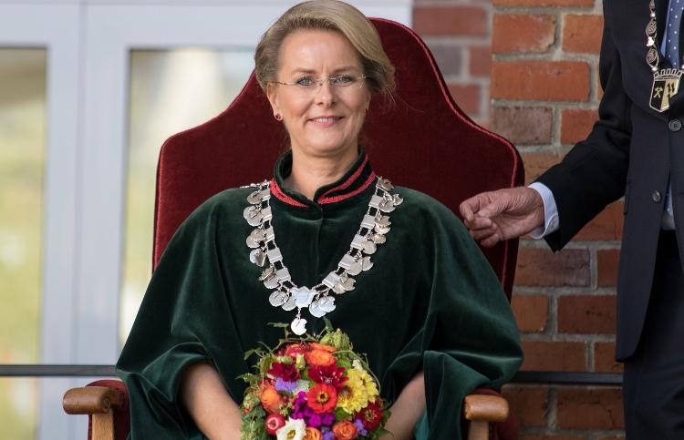Foto von Andrea Sauer bei der Krönung zur Appeltatenkönigin